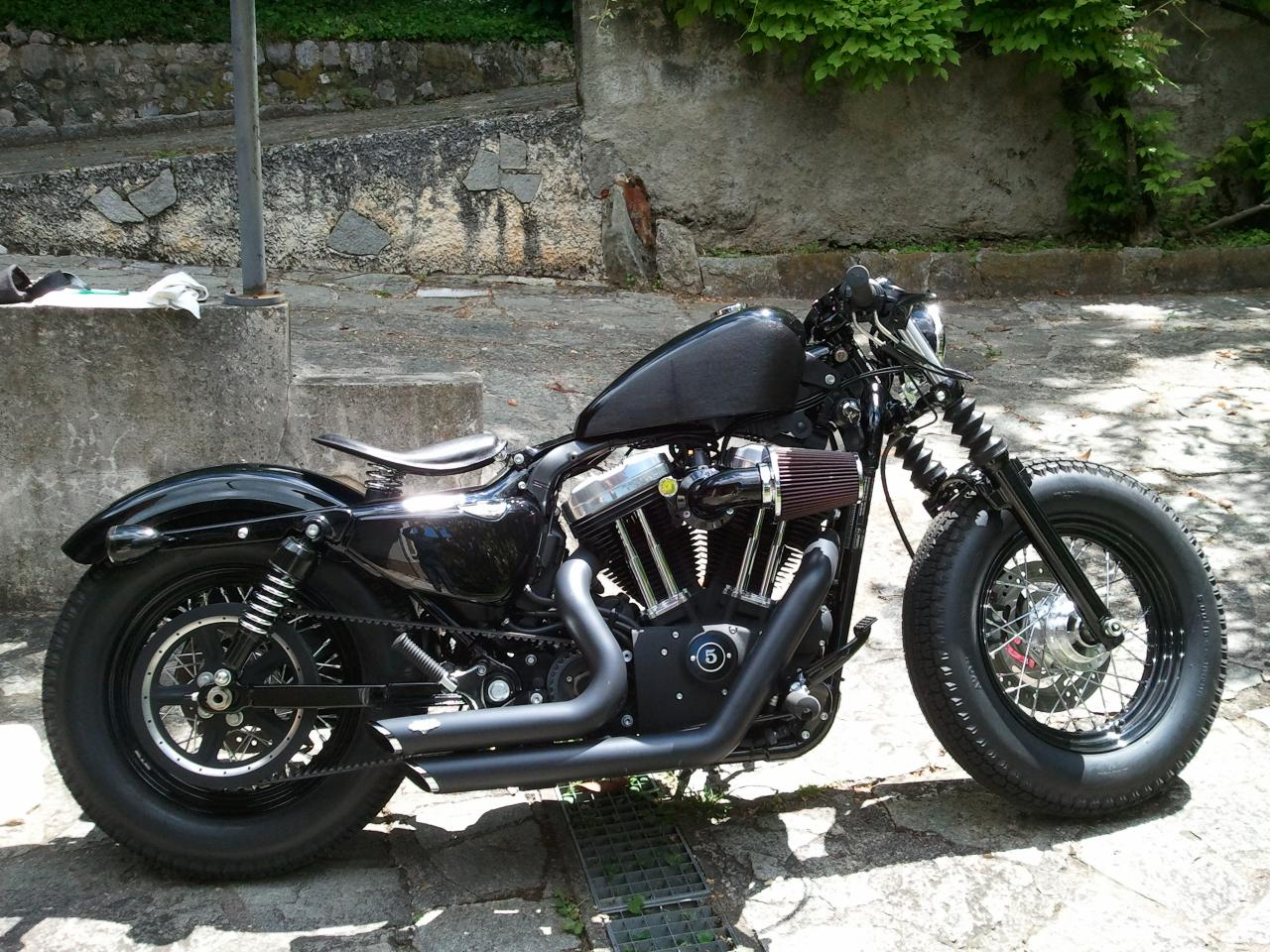 the gallery for harley forty eight bobber. Black Bedroom Furniture Sets. Home Design Ideas